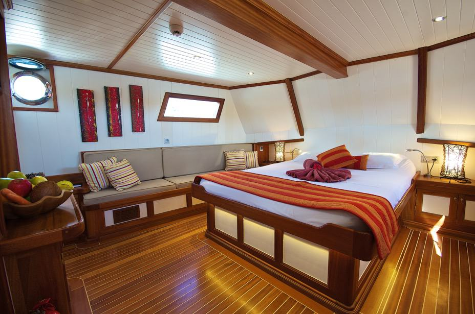GalaTea-Luxury-Bedroom